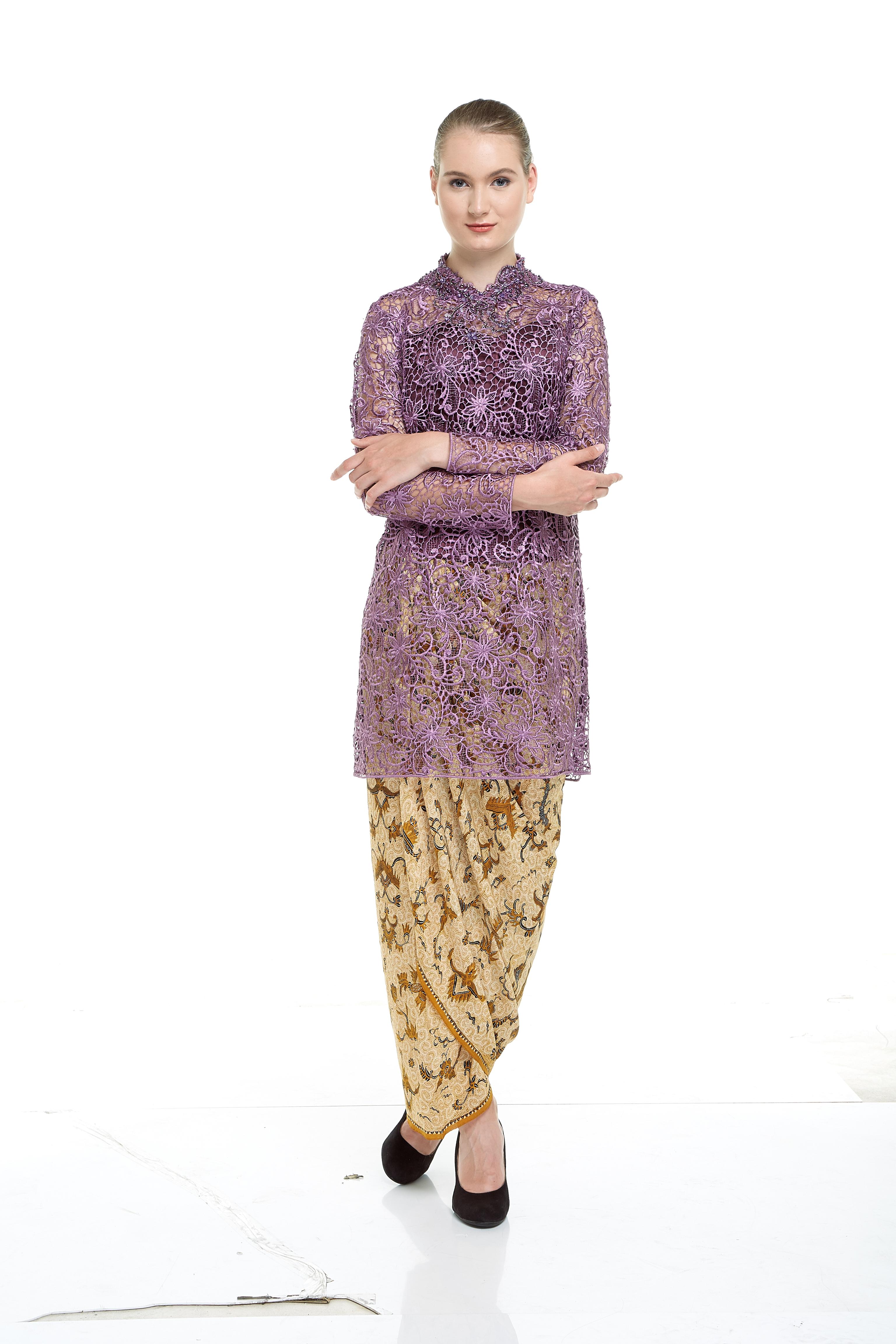 Lily Kebaya